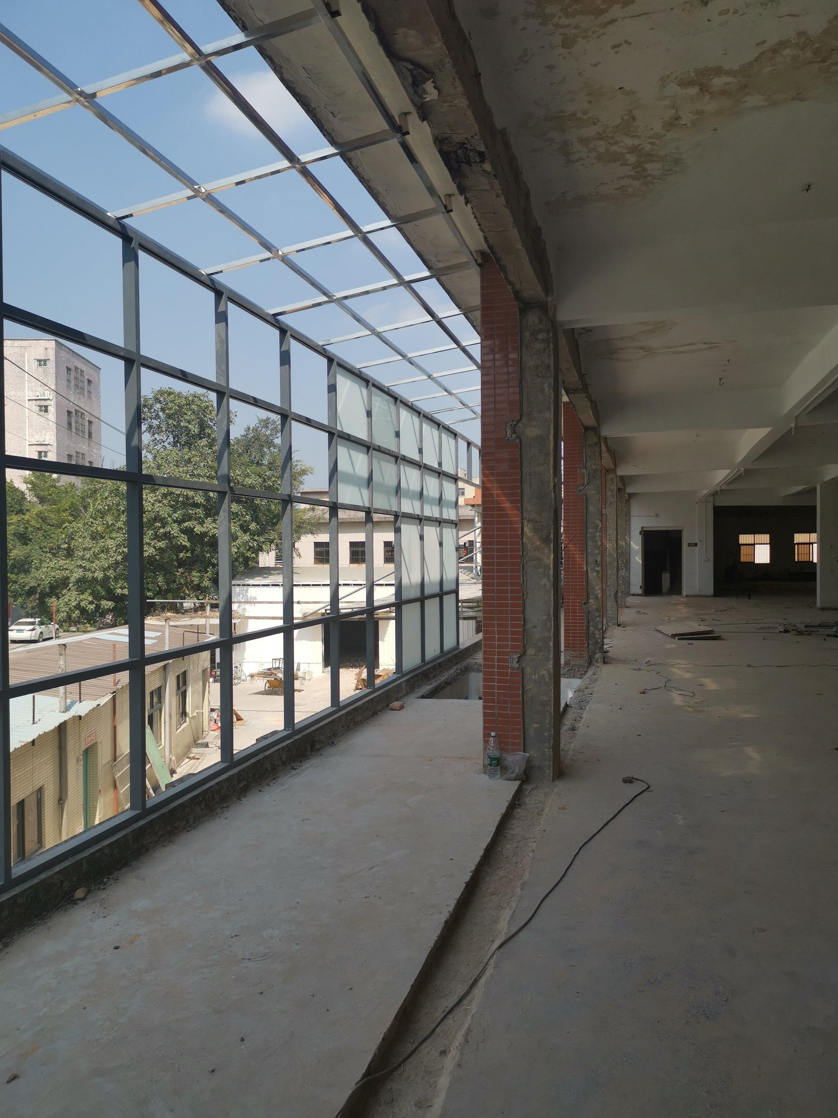 深圳红本小厂房,占地3700,建筑8800,售价6500万