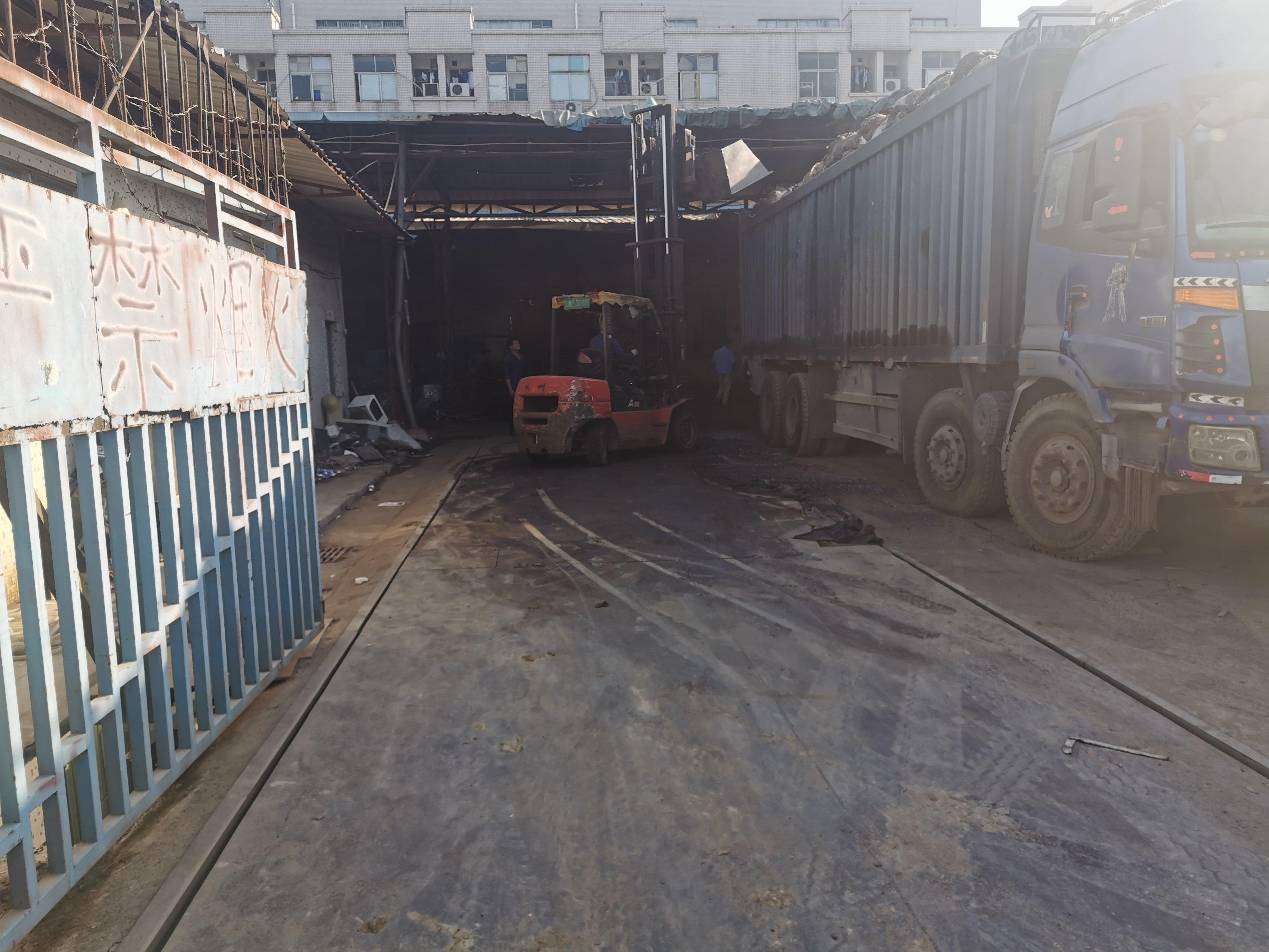 龙华大浪龙大高速口砖墙到顶钢构厂房1700平,可做废品打包场