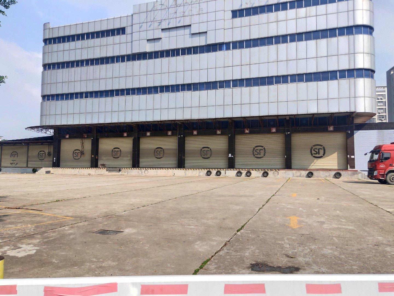 福永新田工业区物流仓库楼上2000平米厂房出租