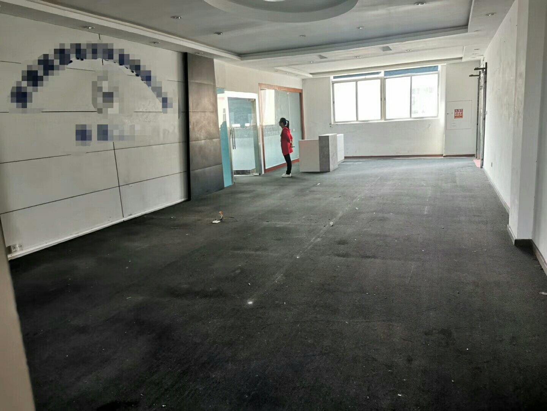 公明街道村委厂房一栋3950平米招租,可做生产办公
