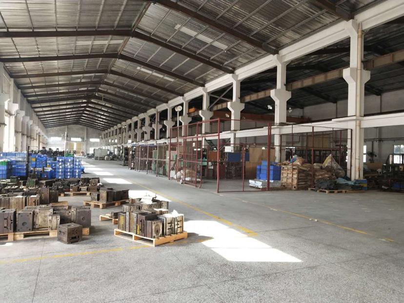 坪山石井仓库货运站钢构厂房1550平方出租带装修