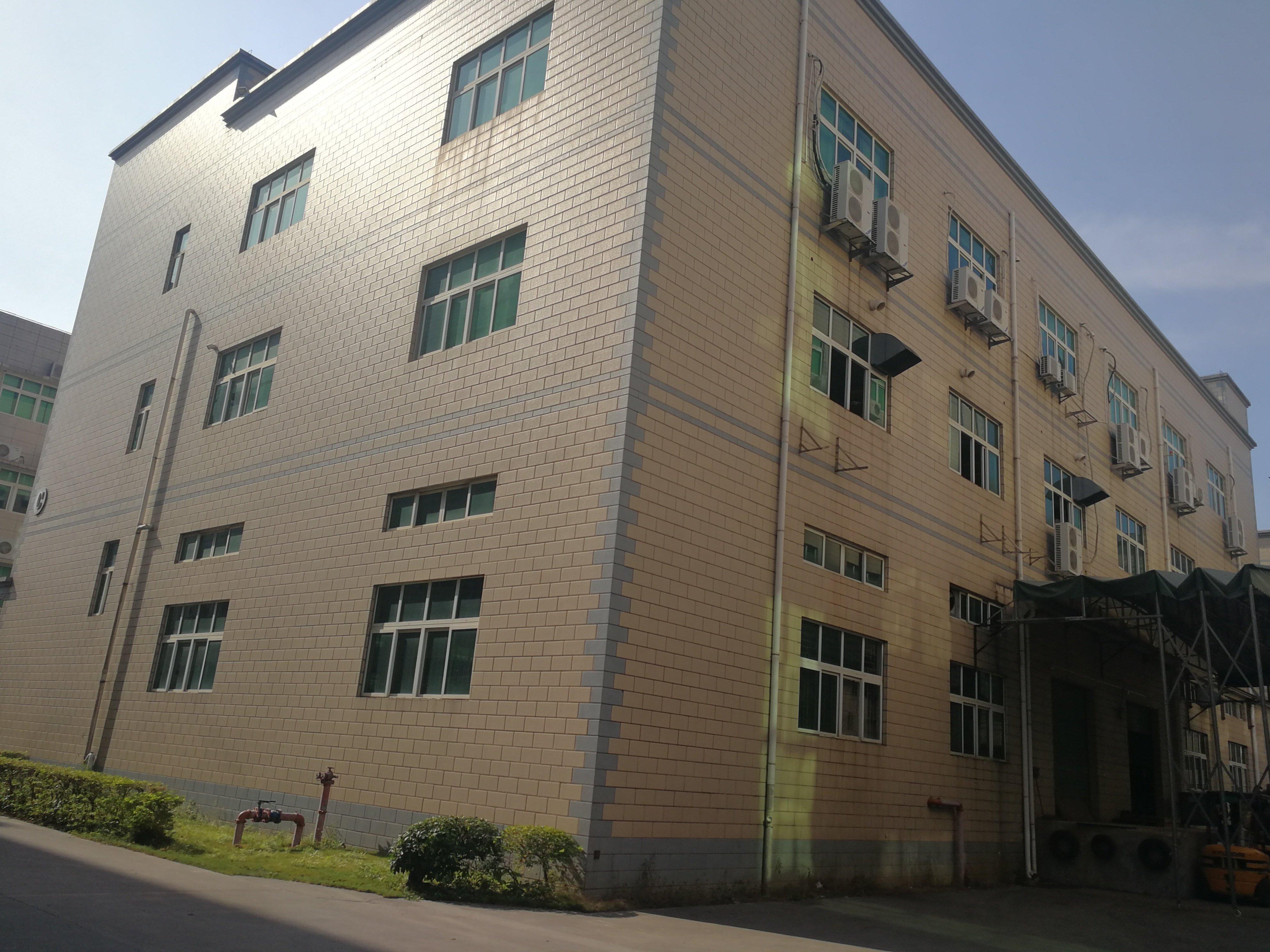 深圳坪地高速口3700平村委标准厂房出售