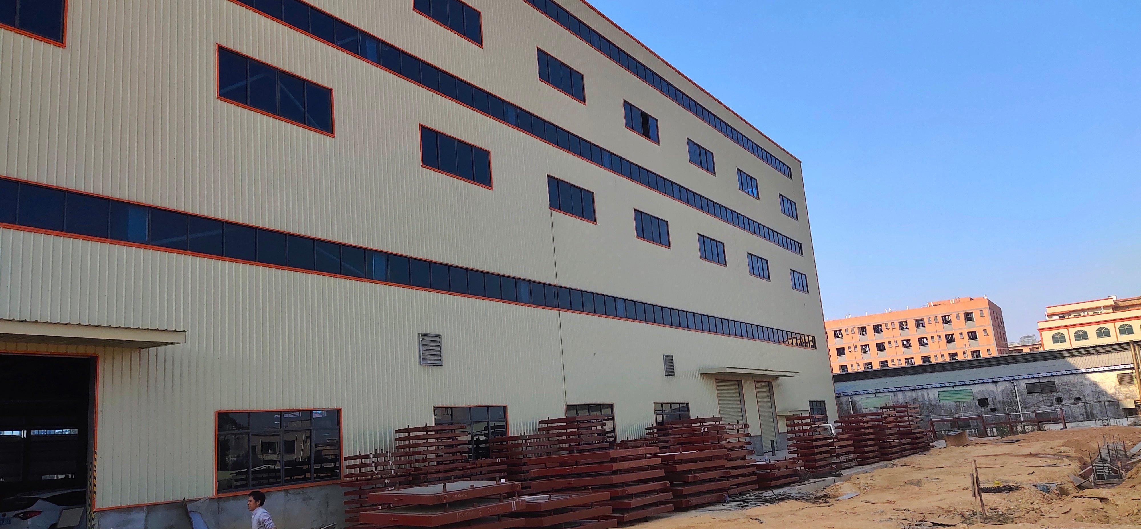 新出原房东单一层独院仓库。