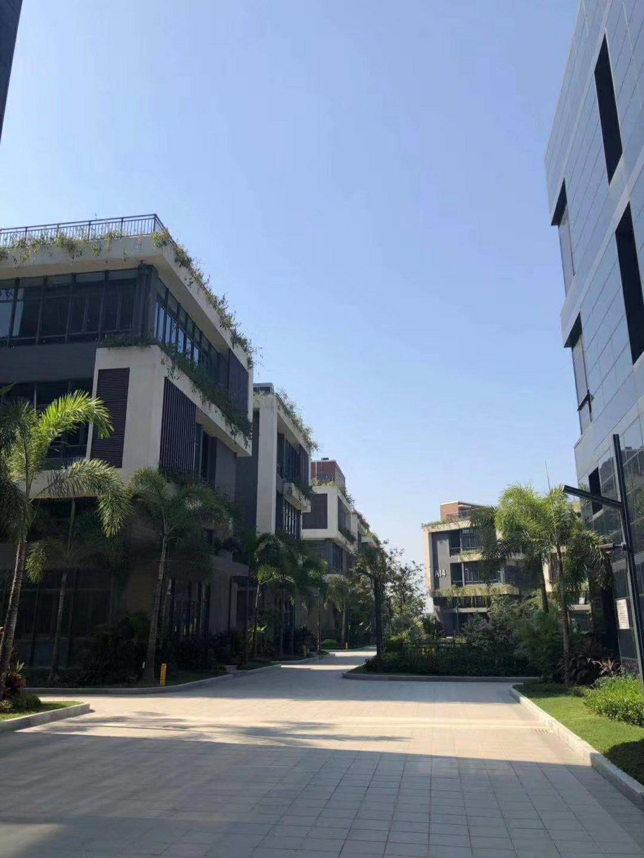 三栋全新小面积红本厂房首付五成按揭十年450平出售