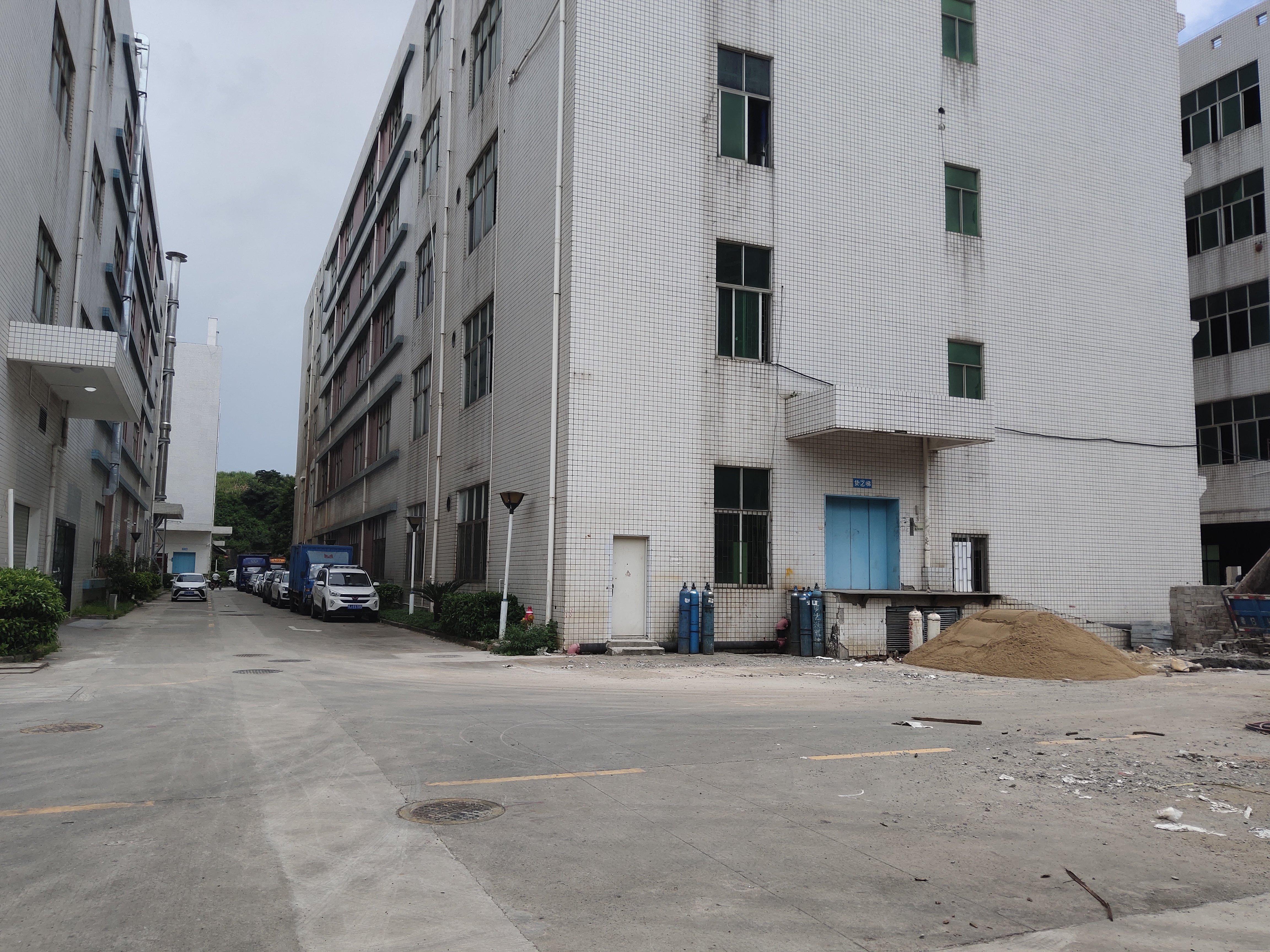 坂田标准一楼出租3650平可分租,适合电商