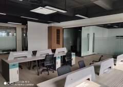 坂田空出精装修写字楼15000平,大小可分租。