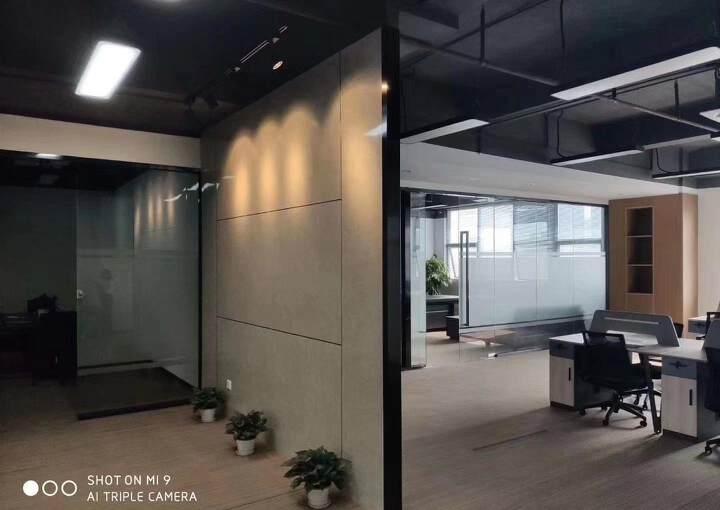 坂田地铁口空出写字楼500平,可分租图片2