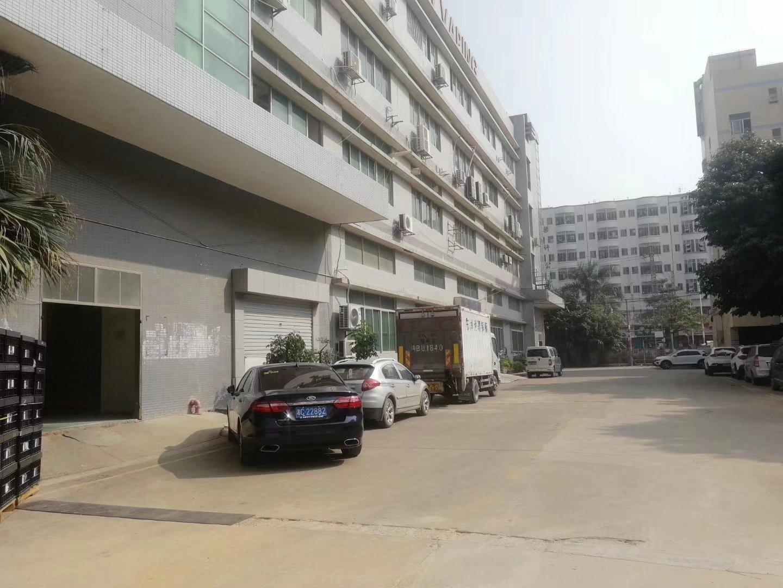 沙井107国道边一楼670平方实际面积仓库出租,价格28块。