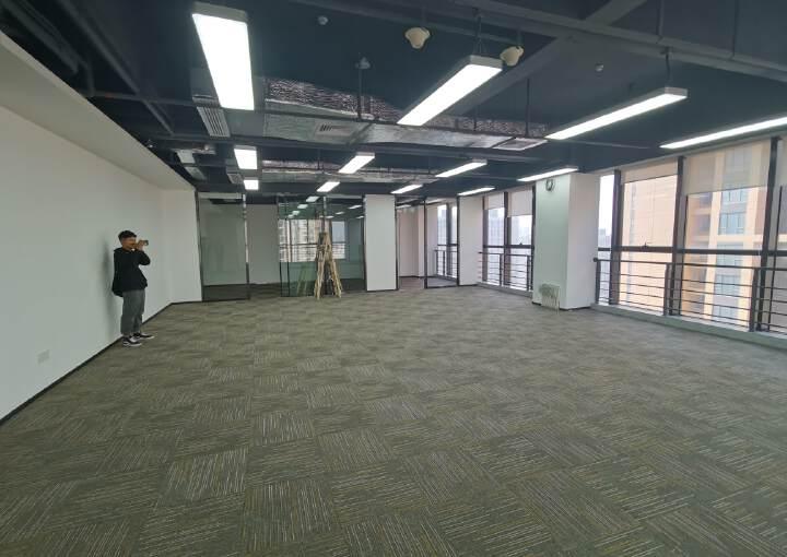 坂田地铁楼零距离,拎包入住,户型方正图片6