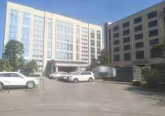 本栋大楼招:健身房,高档写字楼,培训机构,酒店,高档饭店。