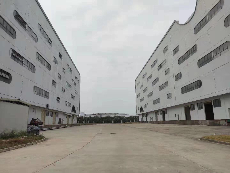 深圳市坪山区20万平方仓库招租!带卸货平台,5000平方起分