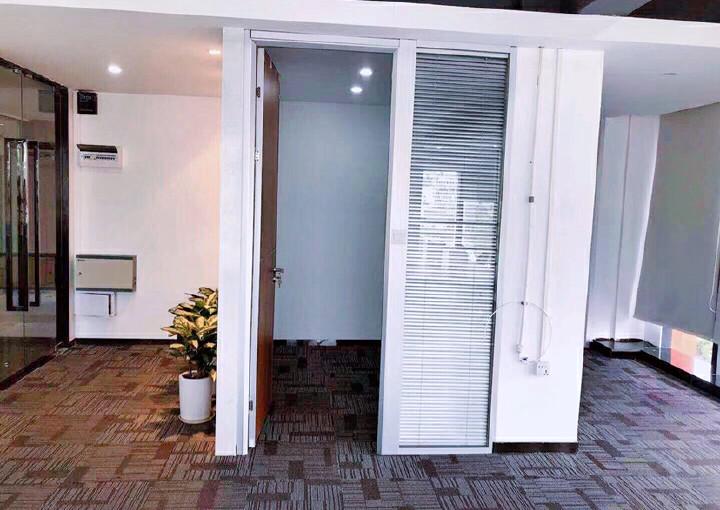 杨美地铁口写字楼精装修带家私168平图片2