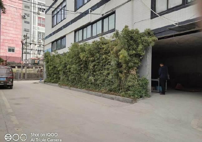 龙华油松油松路边上繁华路段园区一楼400平方