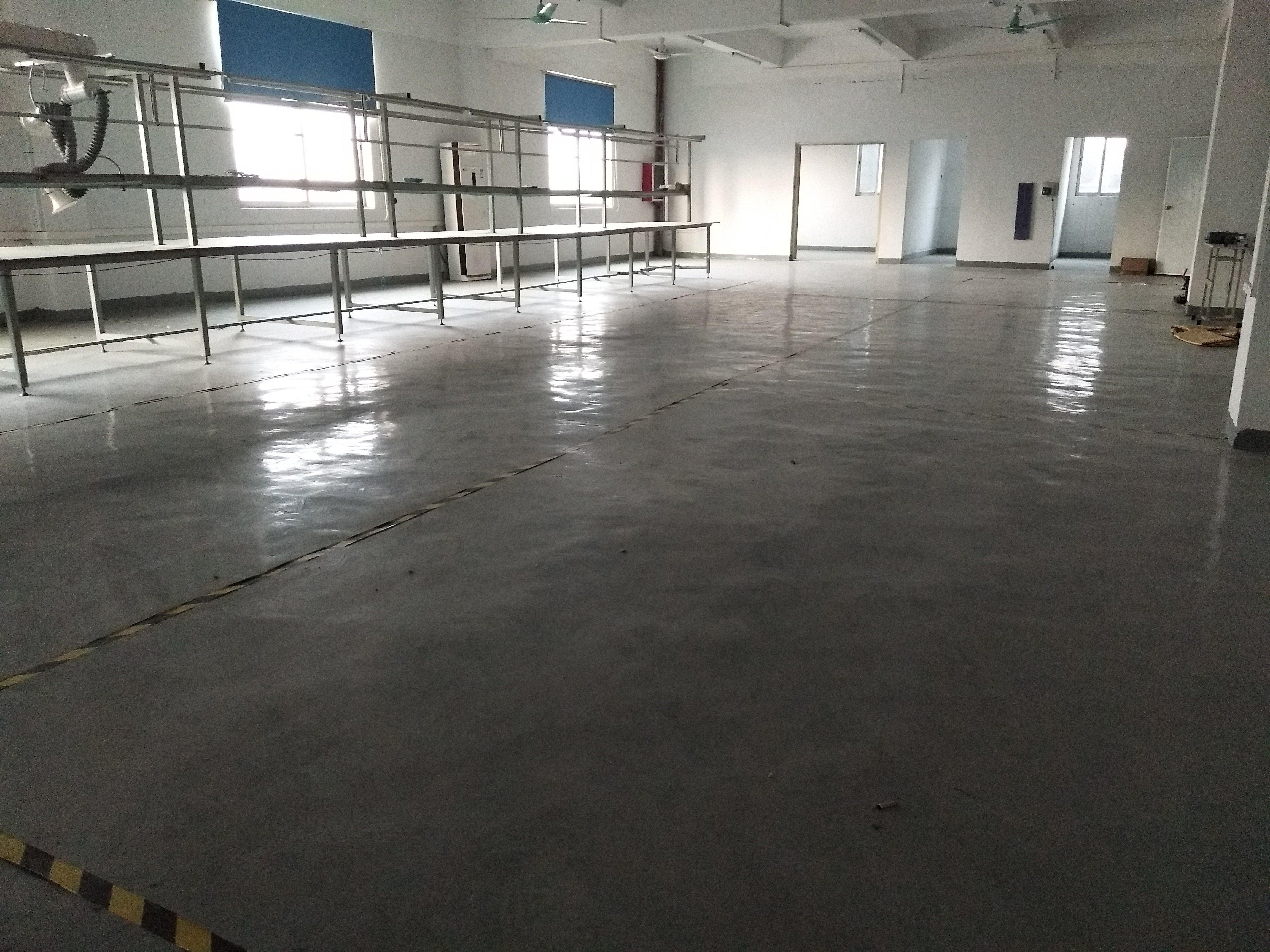 松岗楼岗义乌商贸城附近三楼700平带装修厂房出租