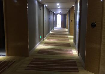 松岗汽车站带装修酒店2500平方出租。配套齐全,交通便利图片4