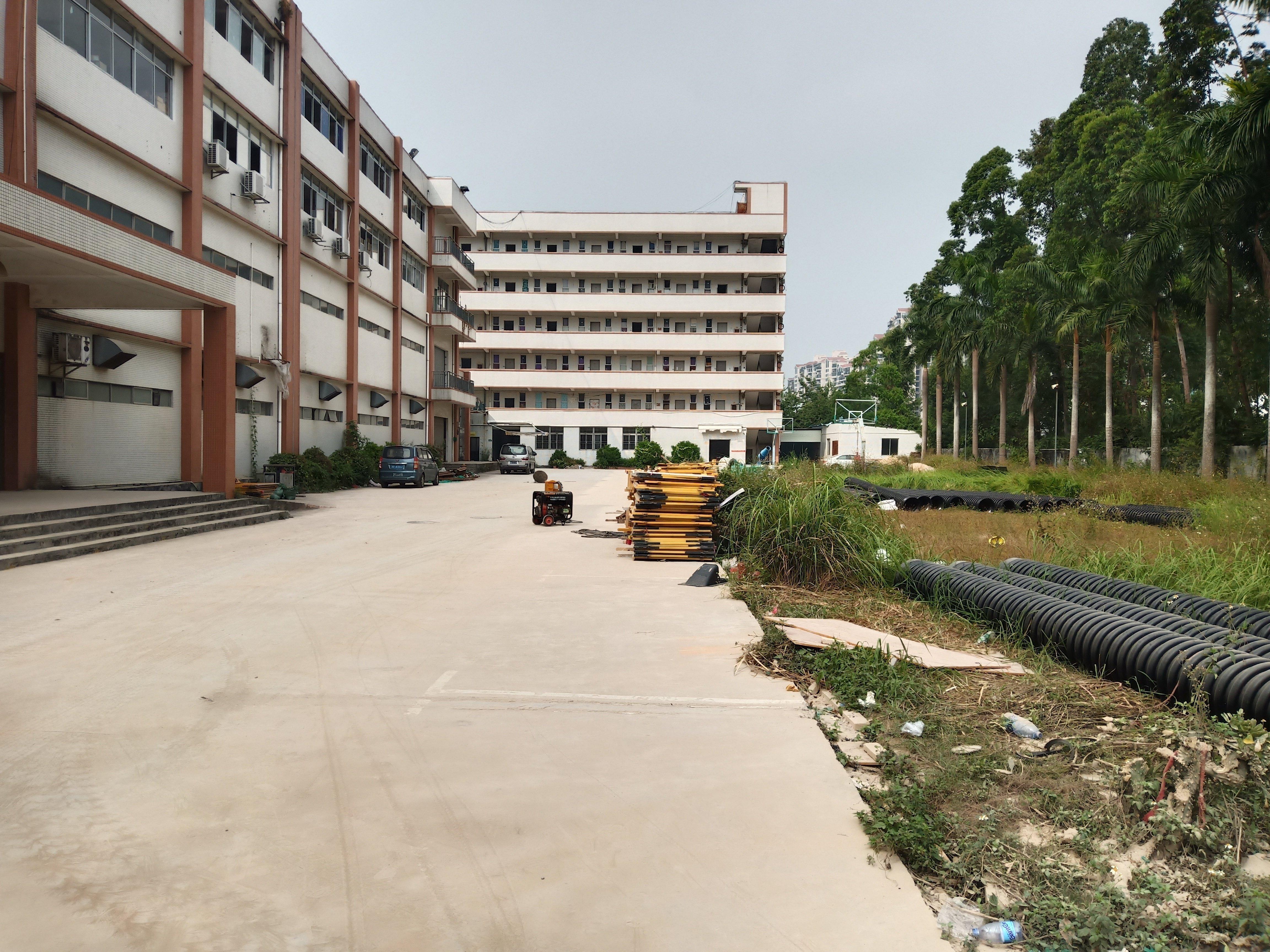 深圳龙岗占地面积3672.92平建筑面积8833.96平出售