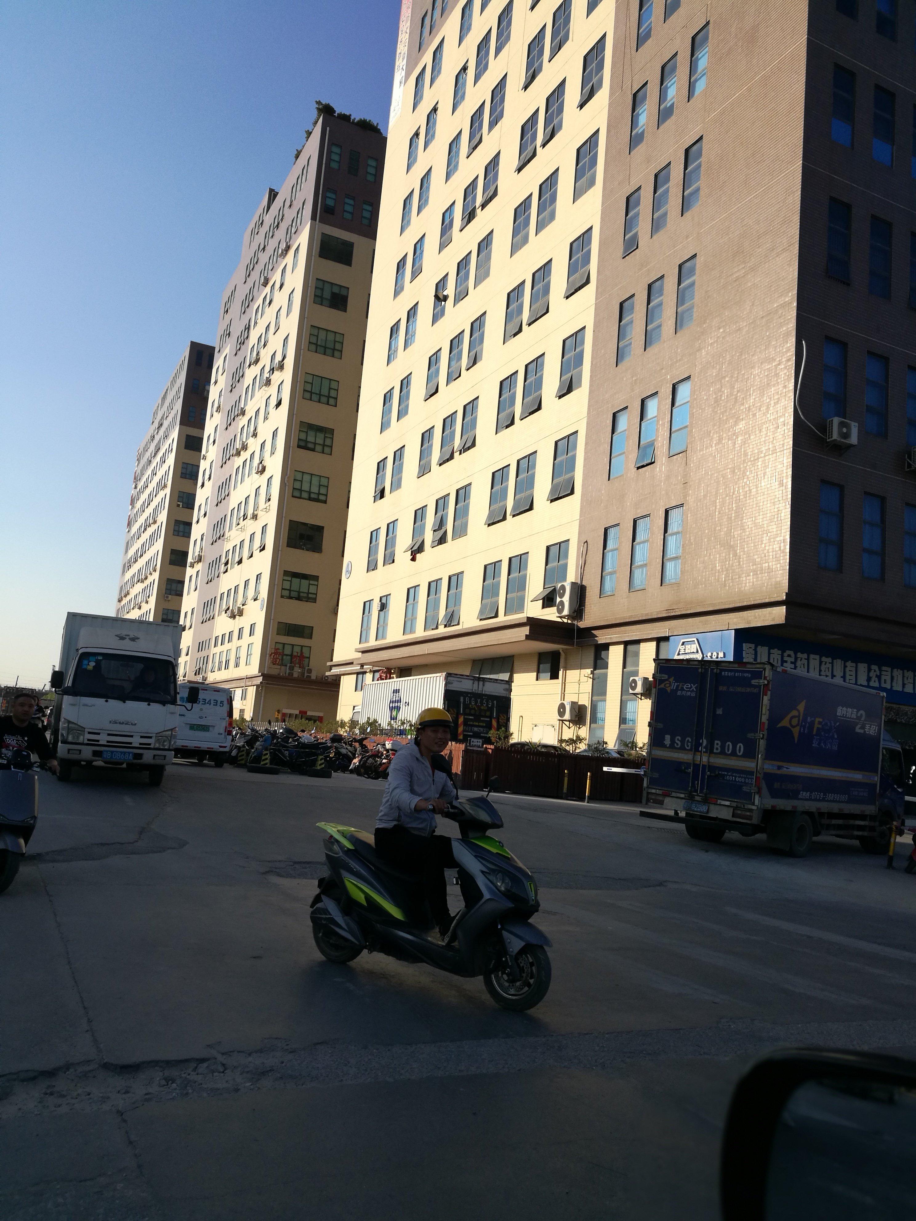 南光高速出口公明大型园区独栋厂房出租2万平米