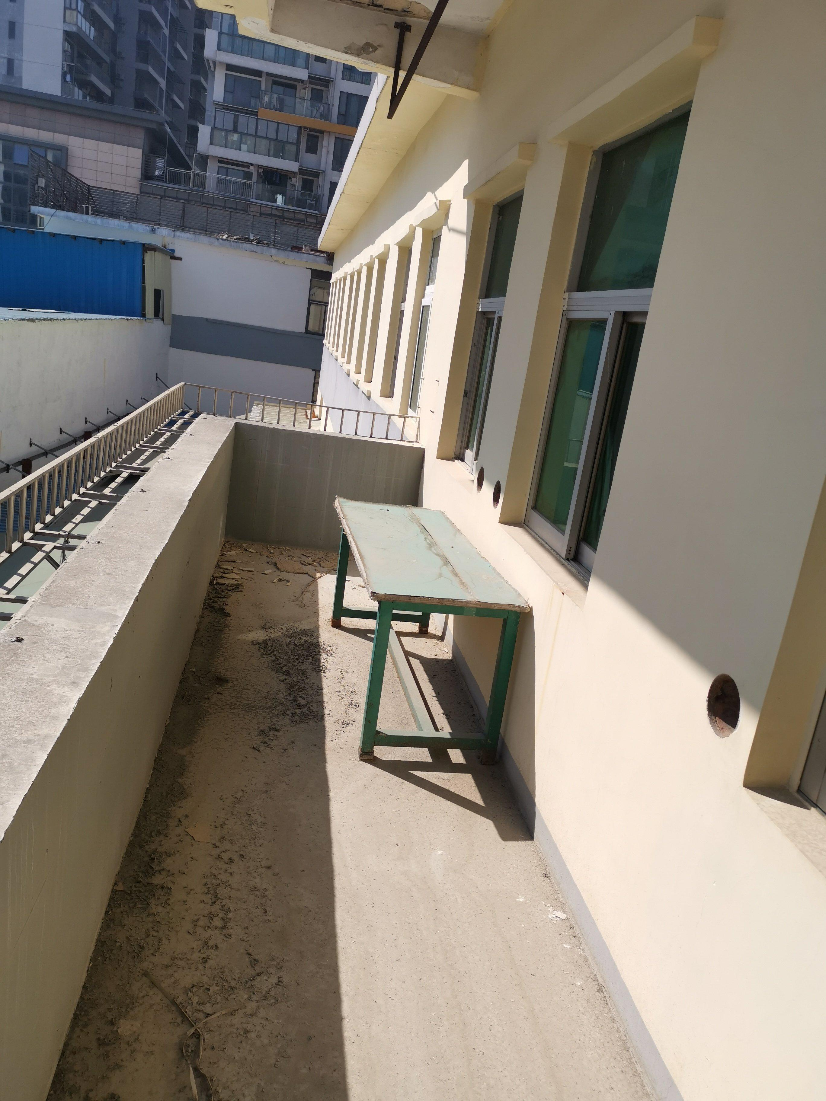 深圳花园小区旁红本可改写字楼厂房,面积4166平米招商