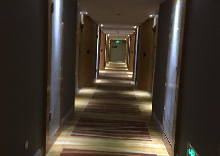 松岗汽车站带装修酒店2500平方出租。配套齐全,交通便利图片3