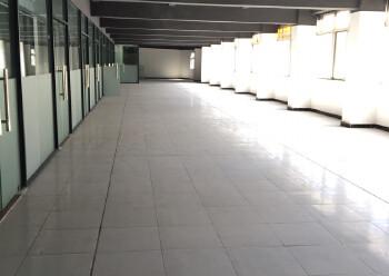 松岗汽车站带装修酒店2500平方出租。配套齐全,交通便利图片1