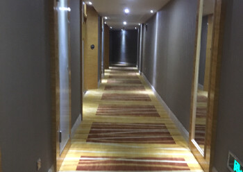 松岗汽车站带装修酒店2500平方出租。配套齐全,交通便利图片2