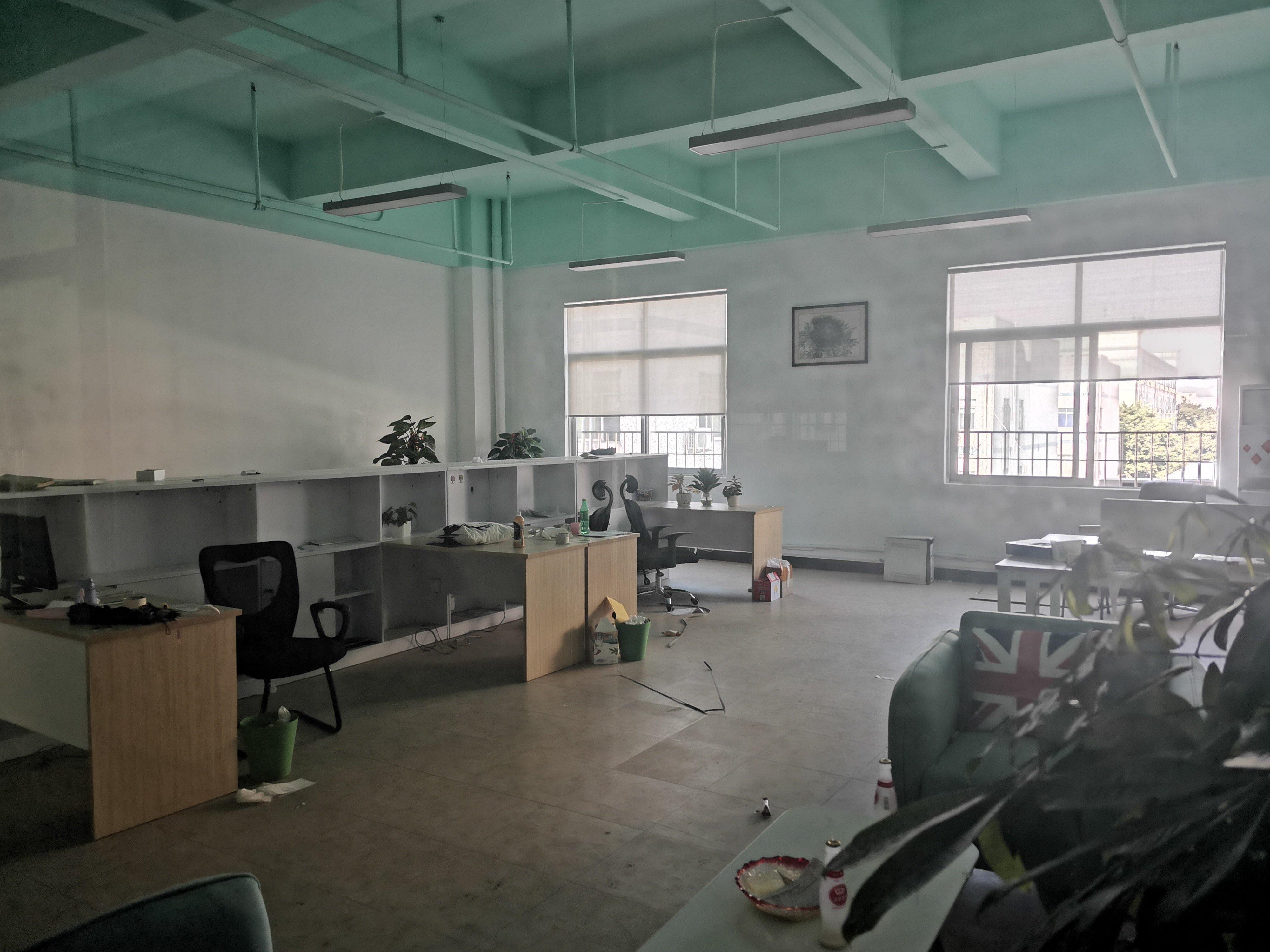 龙华大浪原房东带装修3300平厂房出租-图3