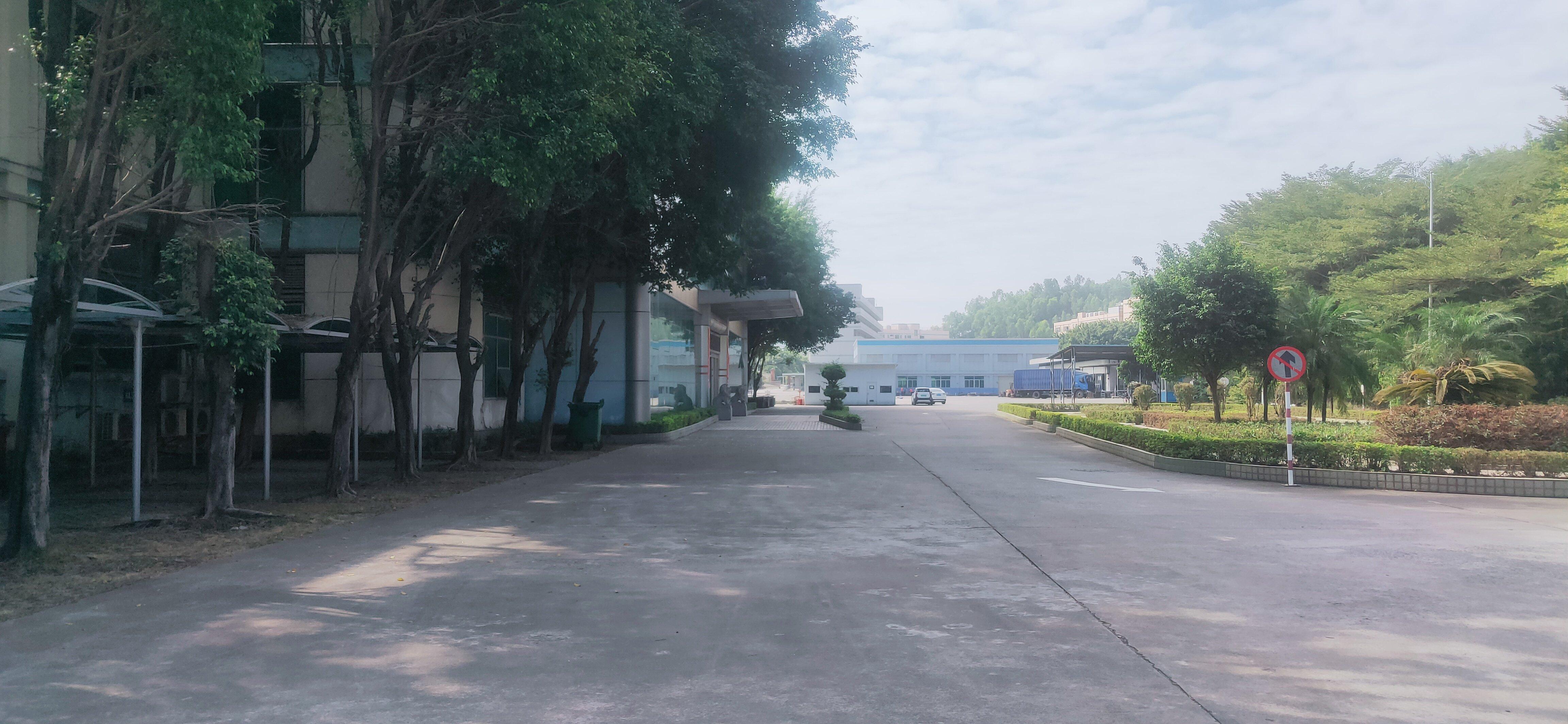 新出!平湖大工业园花园式厂房仓库16800平方出租