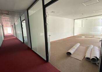 民治中心区,牛栏前1100平精装办公室,带隔间图片3