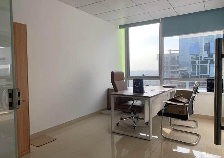 福永地铁口边楼上精装写字楼780平方出租图片3