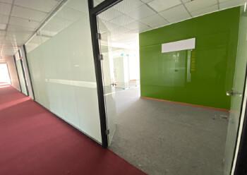 民治中心区,牛栏前1100平精装办公室,带隔间图片2