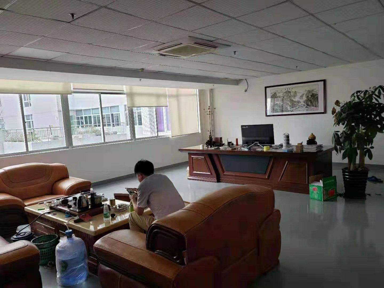龙华清湖主干道边上精装修400平方厂房招租-图3