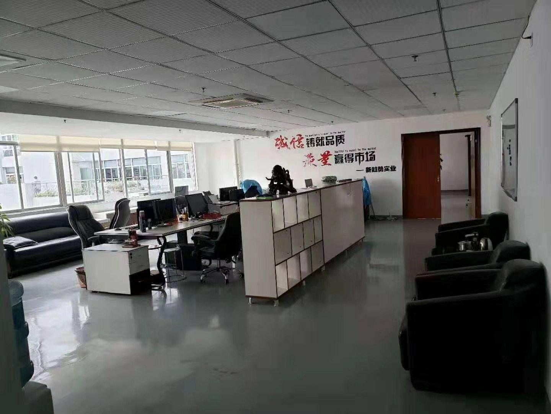 龙华清湖主干道边上精装修400平方厂房招租-图4