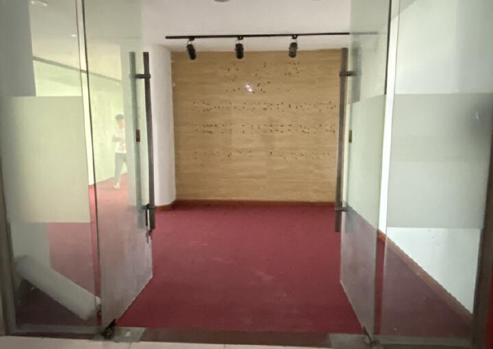 民治中心区,牛栏前1100平精装办公室,带隔间图片4