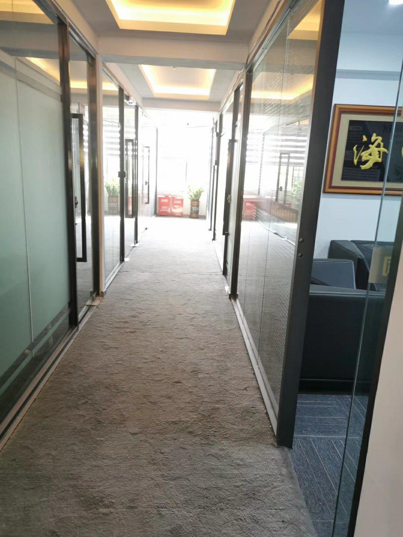 龙华清湖龙华汽车站附近办公家私齐全办公室60平起-图2