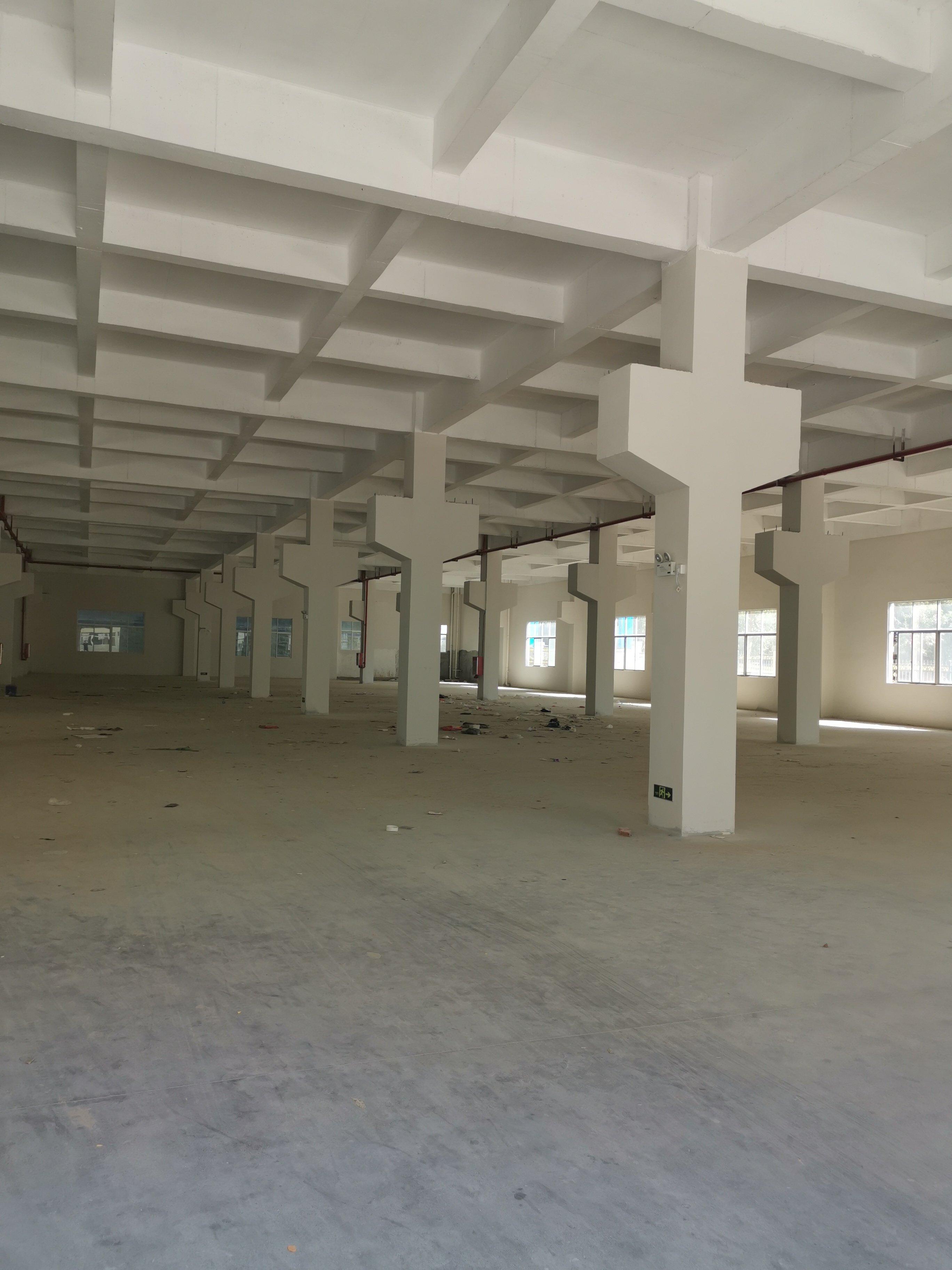 深圳高速路口红本厂房招商,建筑8200平米,单价6000元/