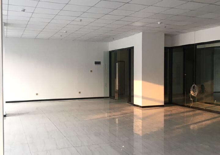松岗地铁口新出楼上50平方起分租。内部方正,水电交全停车方便图片7