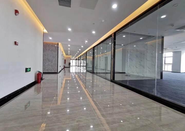 布吉上李朗地铁站全新精装修写字楼78㎡租43元1+1格局图片2