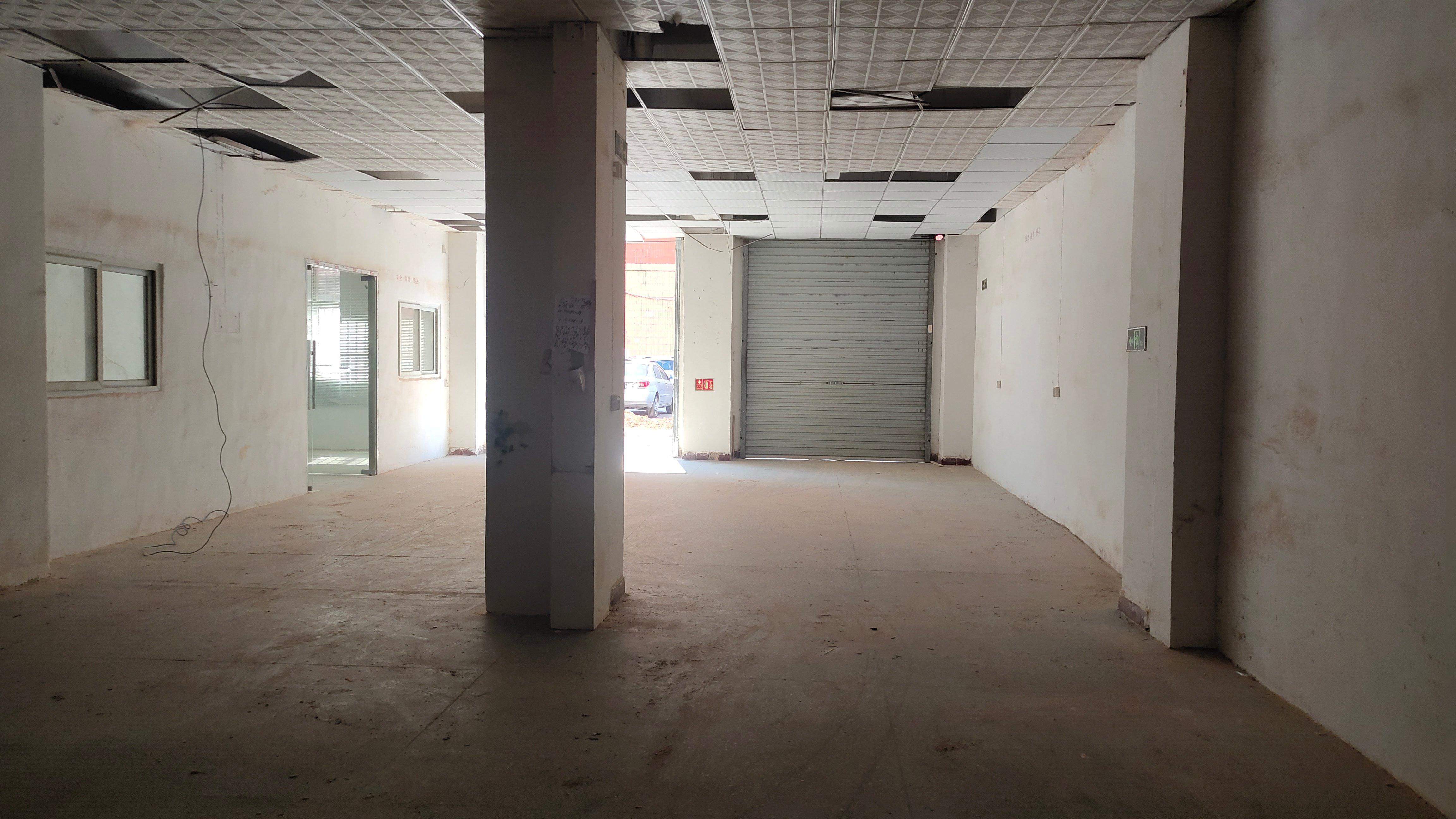 长安新安大桥附近新出厂房一楼200平米价格20元,水电齐全。