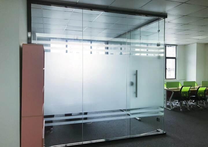 坂田地铁口新100平带家具空调办公室出租图片1