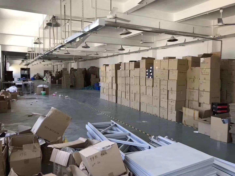 坪地新出一楼标准厂房做仓库出租1500㎡