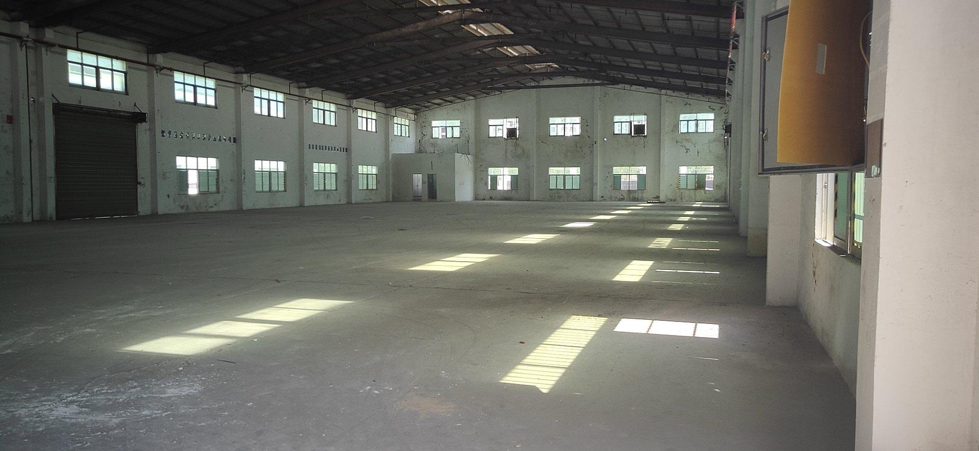 光明新区南光高速旁超大空地钢构厂房出租