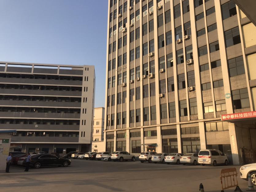 南光出口附近三楼整层2000平方全新地坪漆