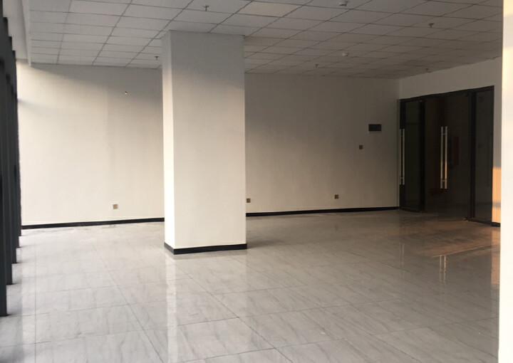 松岗地铁口新出楼上50平方起分租。内部方正,水电交全停车方便图片3