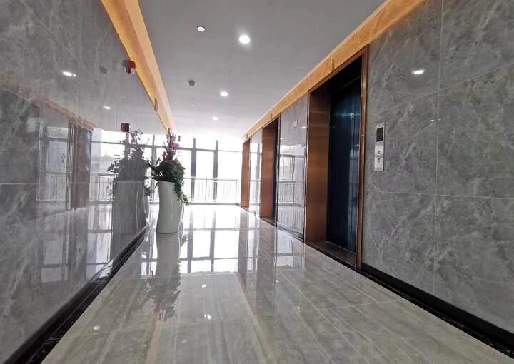 布吉上李朗地铁站全新精装修写字楼78㎡租43元1+1格局图片9
