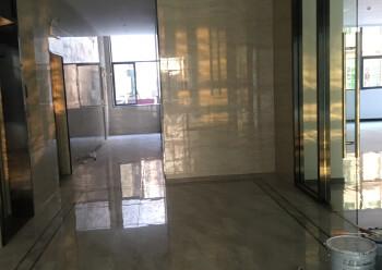 松岗地铁口新出楼上50平方起分租。内部方正,水电交全停车方便图片1