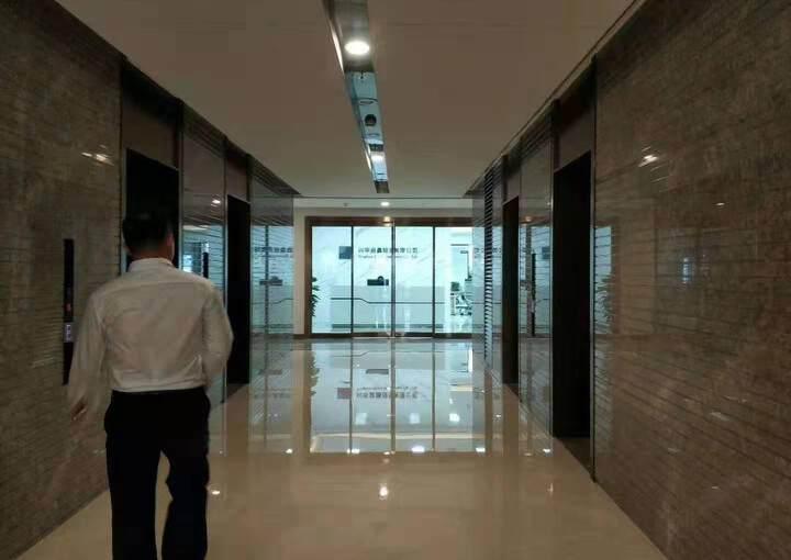 长安镇霄边万达广场附近新出甲级写字楼40000平可分租图片6