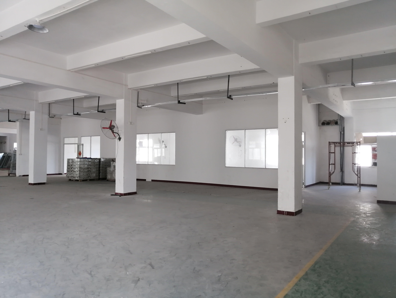 平湖辅城坳工业区独院厂房5800平米出租使用率高99%
