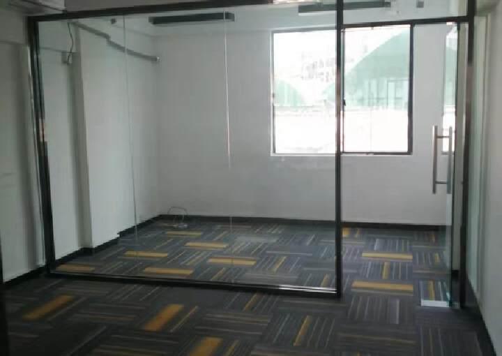 坂田地铁口新出75平精装电商办公室图片1