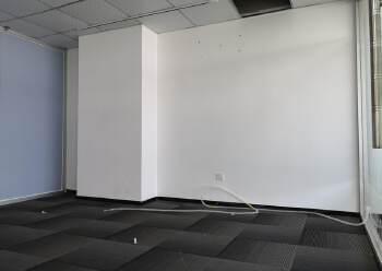 沙井地铁口中小户型办公室面积136平方米,落地窗,楼层高图片4
