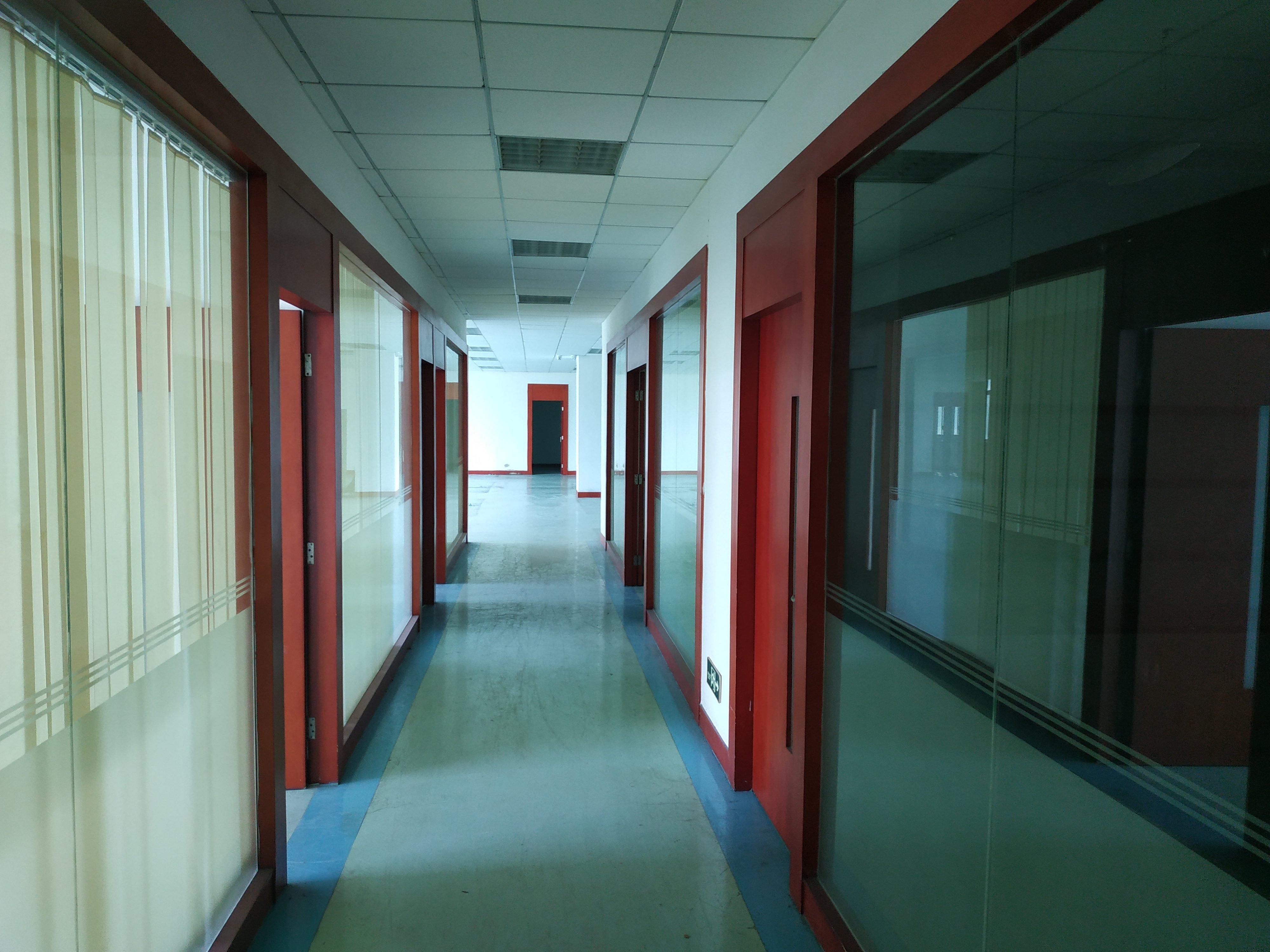 福永镇塘尾村楼上精装修2000平方。
